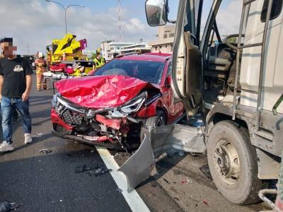 中山高北上218K處8車連環撞釀4傷 車陣回堵5公里