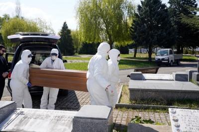 武漢肺炎》當地已2400多人死亡... 馬德里規劃臨時停屍間