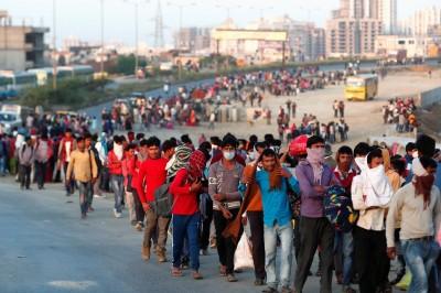 莫迪宣佈印度「全國封鎖」 百萬移工怒吼︰死於飢餓而非病毒