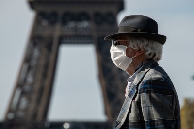 武漢肺炎》私藏1.5萬張口罩 在法中國僑民協會2人遭警拘留
