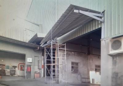 新豐碾米廠2工人高處墜落 1死1傷