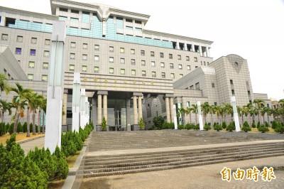 律師資格遭除名 洋博士怒告法務部