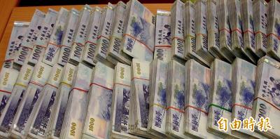 欠稅1400萬在外照常狂刷卡 老董聽到管收嚇得趕緊繳
