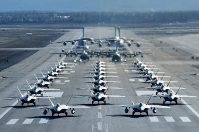 軍情動態》阿拉斯加美軍動員逾30架軍機 「駝鹿漫步」秀強大戰力