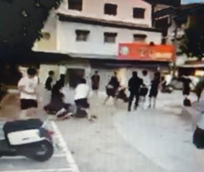 嘉市青少年糾眾鬥毆 被打倒在地仍遭對方狠踹