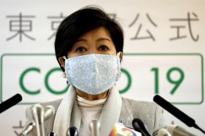 戴口罩也要美美的 日本政壇吹口罩時尚風