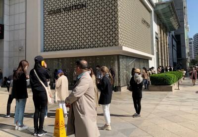 香奈兒漲價吸引民眾瘋搶原價商品 首爾市府考慮勒令停止銷售