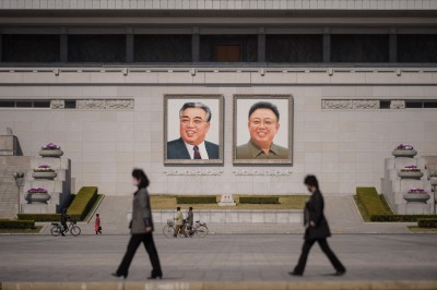 金正恩再傳死訊? 北韓撤下中央廣場前領導人肖像