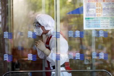 武漢肺炎》3成日本醫師 被迫重複使用N95口罩