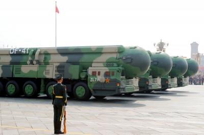 疫情重創經濟 路透:中國軍備預算不減反增