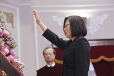 「蔡英文總統開始第二任期」TIME解讀:選民拒與中國妥協