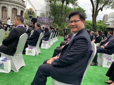 大器!林佳龍曬總統就職典禮帥照 竟是盧秀燕拍的