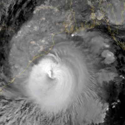 20年最強風暴登陸印度摧毀千屋 被指「比武漢肺炎還嚴重」