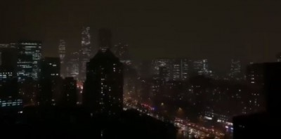 詭!中共兩會開議  北京白天突變黑夜 狂下暴雨、冰雹
