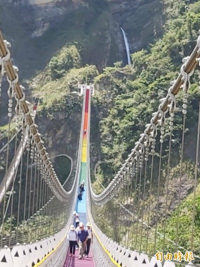 信義雙龍七彩吊橋秘境 6月20日可望對外開放