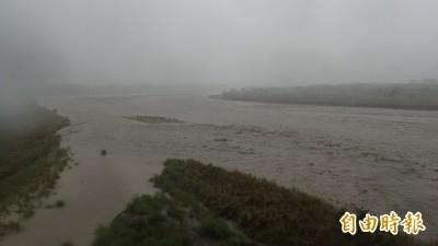 雨炸高雄 山區56條土石流紅色警戒 38條黃色警戒