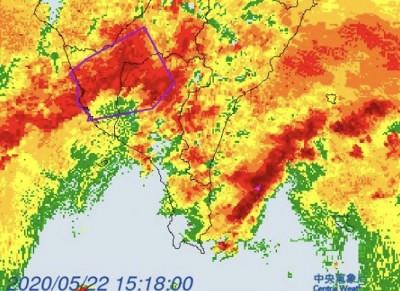 豪雨轟炸南台灣 氣象局:入夜會稍減弱