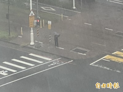 雨炸高雄!高市府災害應變中心一級開設 韓國瑜5點半主持會議