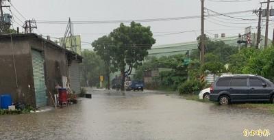 豪雨狂炸!教育部統計全國已有26校受災損