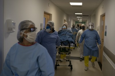 武漢肺炎》巴西連日增近2萬確診 累計逾31萬例、2萬人死亡