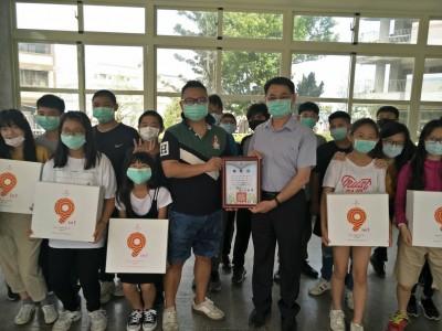 教務主任引介台商弟贈學生中國製衛生棉 家長質疑