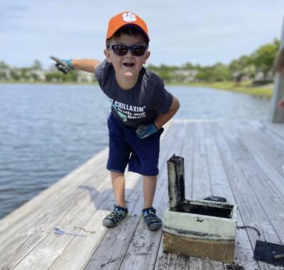 柯南是你?6歲男童釣起湖底保險箱 尋回8年前竊盜案贓物
