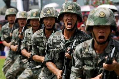 準備開戰?印度步兵師進駐中國邊境 解放軍重兵集結