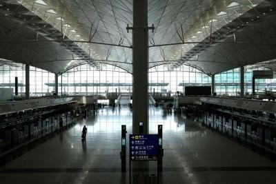 武漢肺炎》香港機場6月起適度恢復轉機 仍維持入境管制