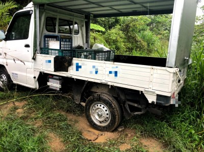 連日下雨泥濘 小貨車困知本山區獲救