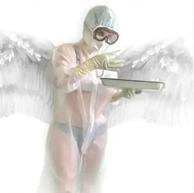 「透視裝」女護理師恐遭懲處 戰鬥民族狂PO「同樣穿法」力挺
