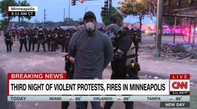 CNN非裔記者LIVE報導 竟遭明尼蘇達白人警當場逮捕