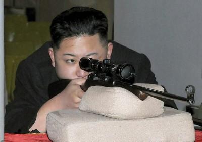 金正恩3歲會開槍太唬爛? 北韓官媒偷偷修正為4歲