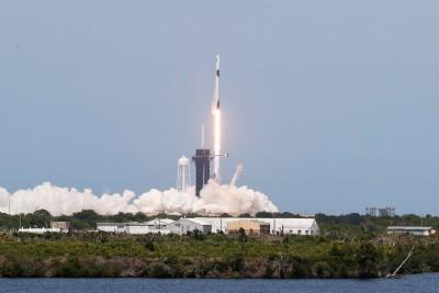 美國SpaceX飛龍2號太空船 首次載人任務成功升空