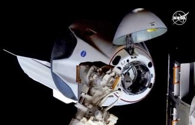 美國SpaceX飛龍2號升空19小時 成功對接國際太空站