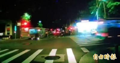 18歲騎士直行遇左轉公車 撞上車尾殞命