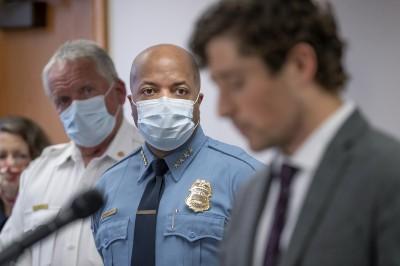 與死者家人對談  明尼亞波里斯警高層親曝解僱涉案4警原因