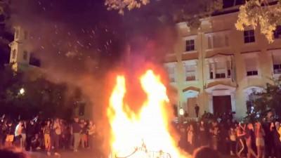 上千示威者火攻白宮 200年歷史「總統教堂」遭縱火