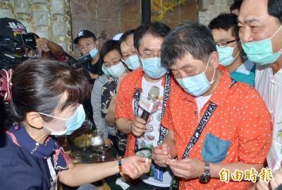 全國搶邀陳時中推觀光 律師籲:饒了他好嗎?