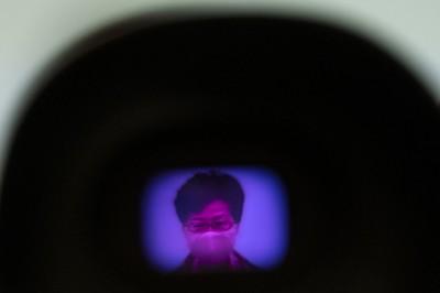 香港中大民調 港人逾8成不信北京政府、44%給林鄭打0分