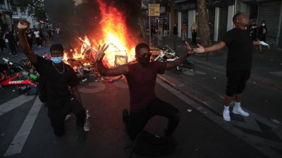 反歧視抗爭擴散全球 巴黎也暴動警方強勢驅離