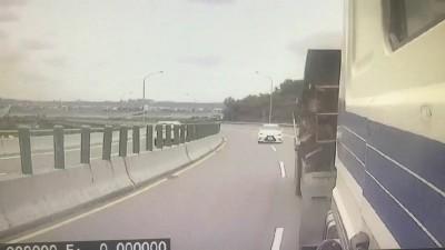凌志轎車追撞砂石車2死3傷 恐怖衝撞畫面曝光!