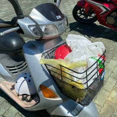 山老鼠騎車不戴安全帽 盜採特級牛樟芝被警察抄了!
