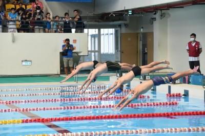 煮青蛙?澎湖中小學游泳比賽 水溫高達35度