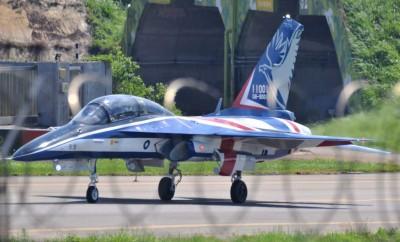 國防MIT》「勇鷹」高教機掛彈轉攻擊機   軍方將領:隨時可平戰轉換