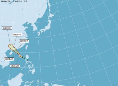 局部高溫飆到36度 輕颱鸚鵡為花東、南部帶來水氣