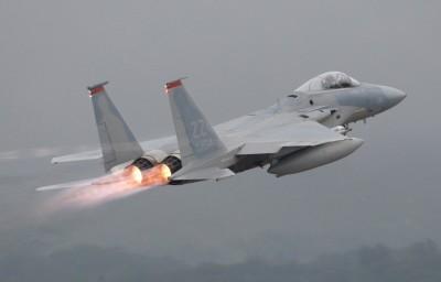 美軍F-15戰機「墜毀北海」 飛行員生死未卜