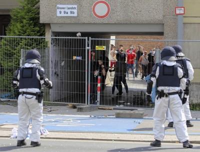 武漢肺炎》德國住宅區700人就地隔離 200人試圖突破警方封鎖