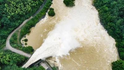安徽300座水庫超出防洪限制水位 六安市多村莊被淹、急撤9500人
