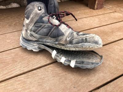 美大峽谷飆44度高溫 登山靴「融化解體」畫面曝光!