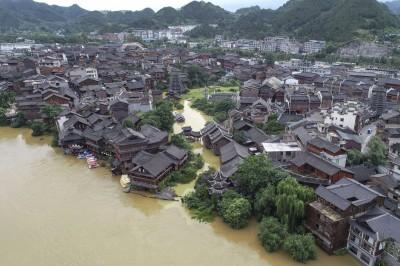 中國半壁江山泡水 官方再發大暴雨警告!太湖、淮河上游超警洪水